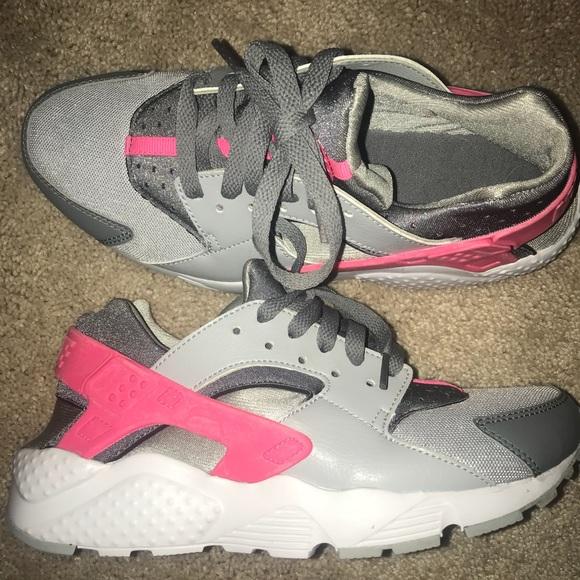 Nike huarache shoes  pink and gray. M 5b6fa22fbf7729c047701046 698050991